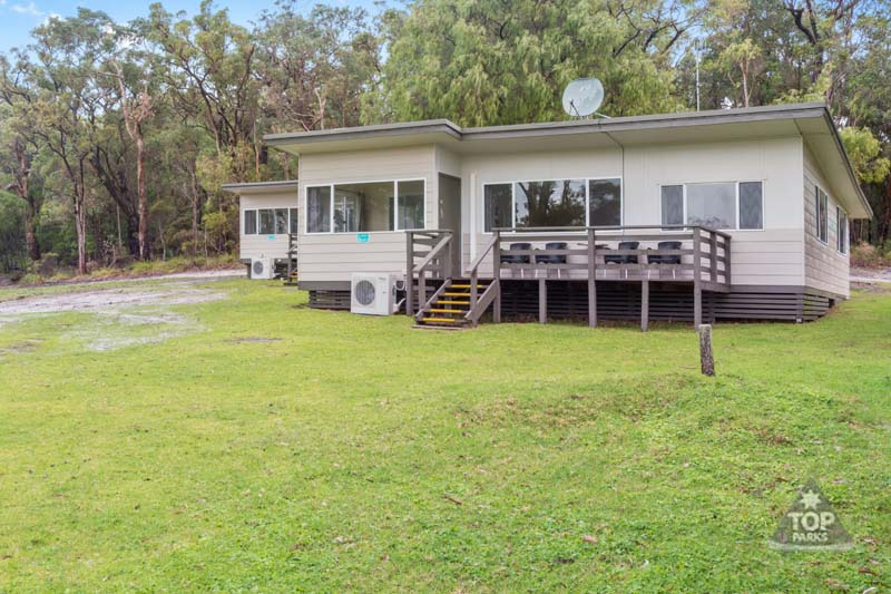 walpole cabin accommodation - walpole rest point caravan park