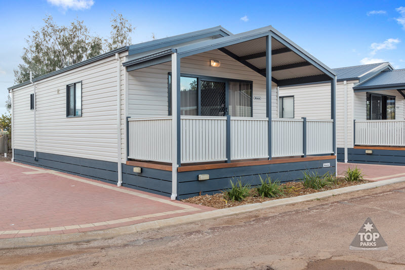 jurien bay premium holiday unit with spa
